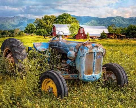 AE553 Little Farm - Tractor & Barns - Digitally Printed Panel