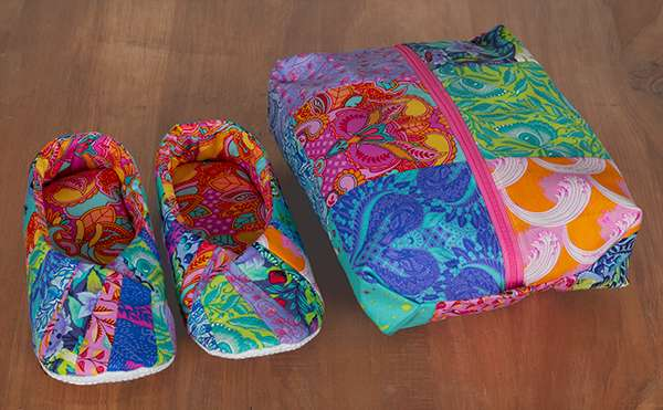 Snappy Slippers & Travel Bag Kitset preview